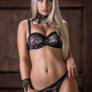 Vanquish Magazine - Gorgeous Blondes - April Cheryse 5