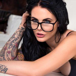 Vanquish Tattoo Magazine - May 2017 - Sophia Stace 5