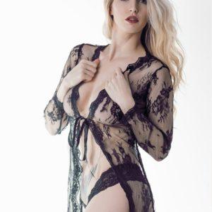 Vanquish Magazine - December 2018 - Adrienn Levai 5
